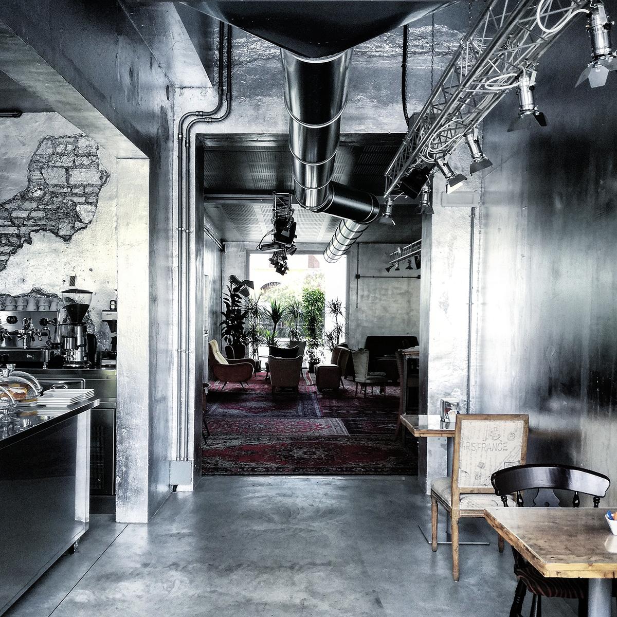 Stile E Interior Design Italiani A Londra: Interior Design E Stile Industriale. Lo Stile Glamorous